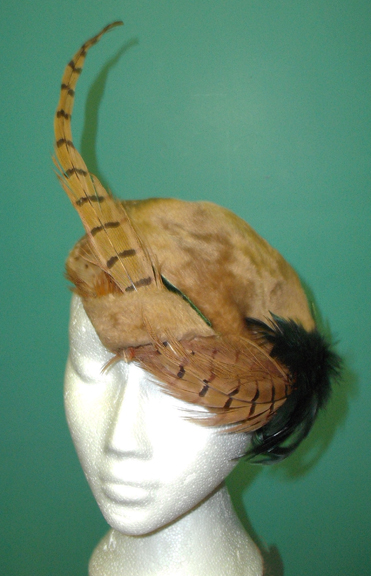 Beyond Retro feathered hat