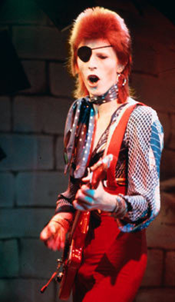 resized Ziggy-Stardust-the-70s-12460498-228-393