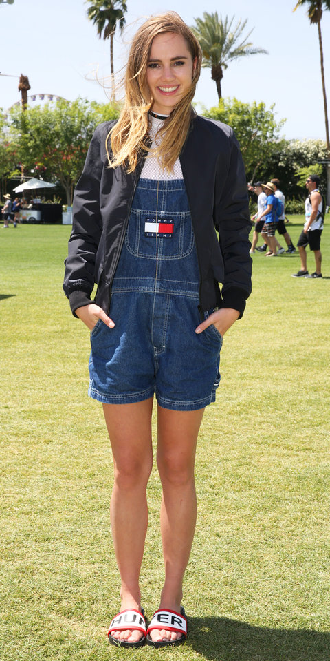 Suki Waterhouse Wearing Hunter Jacket At Palm Springs