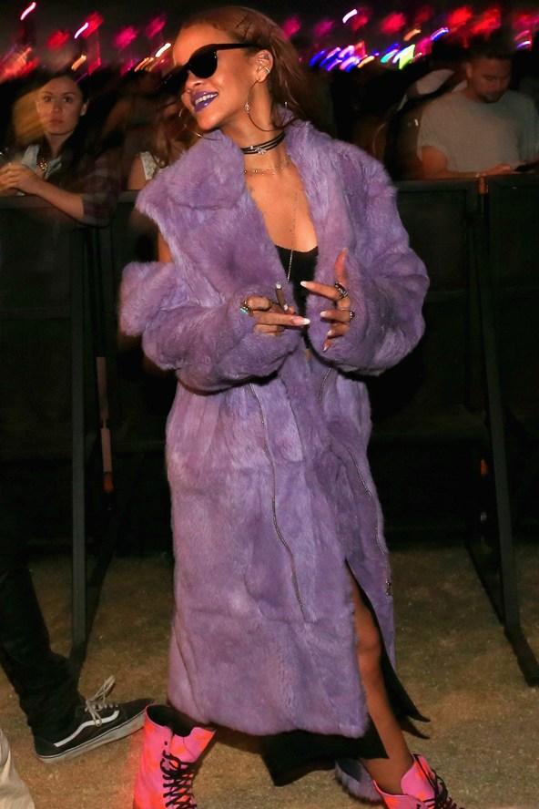 Rihanna-Vogue-13Apr15-Getty_b_592x888